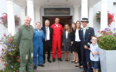 Red Arrows come to tea